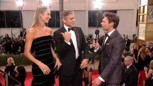 george-clooney-s-pritelkyni-stacy-keibler-a-reporter-e!-mensi 10125